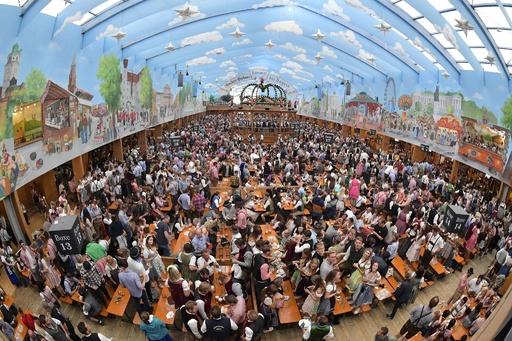 独ビールの祭典「オクトーバーフェスト」 今年も大にぎわい