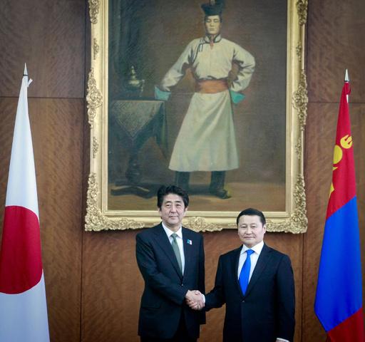 安倍首相がモンゴルを訪問