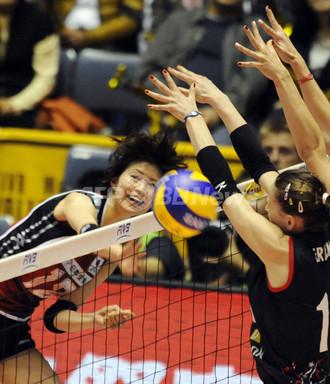 国際ニュース:AFPBB News日本女子、トルコに勝利 世界バレー