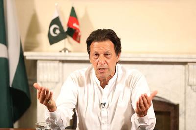 野党カーン氏が勝利宣言 波乱のパキスタン総選挙、開票終わらず