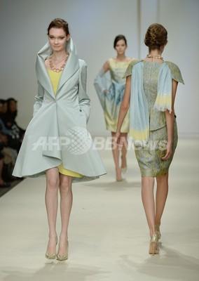 ジュン・アシダ、14年春夏コレクションを発表