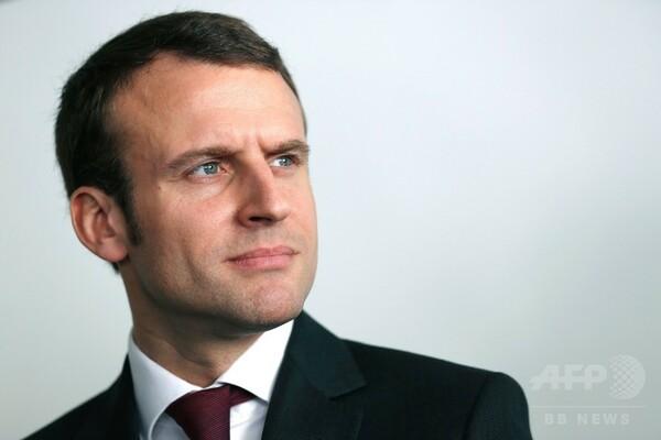 仏大統領選、マクロン前経済相が出馬へ 政界刷新に意欲