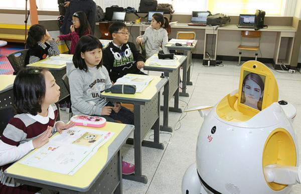 日本から逃げ出した中国と韓国の知識人