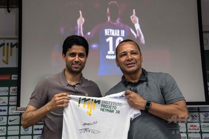 ネイマールには「PSGでの未来がある」、父が移籍報道を一蹴