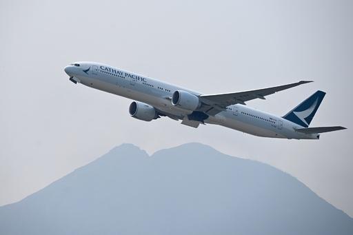 キャセイ航空、香港デモ支持のスタッフを一部業務から除外へ