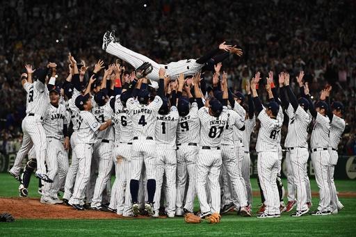 日本がプレミア12制覇、韓国に逆転勝ち