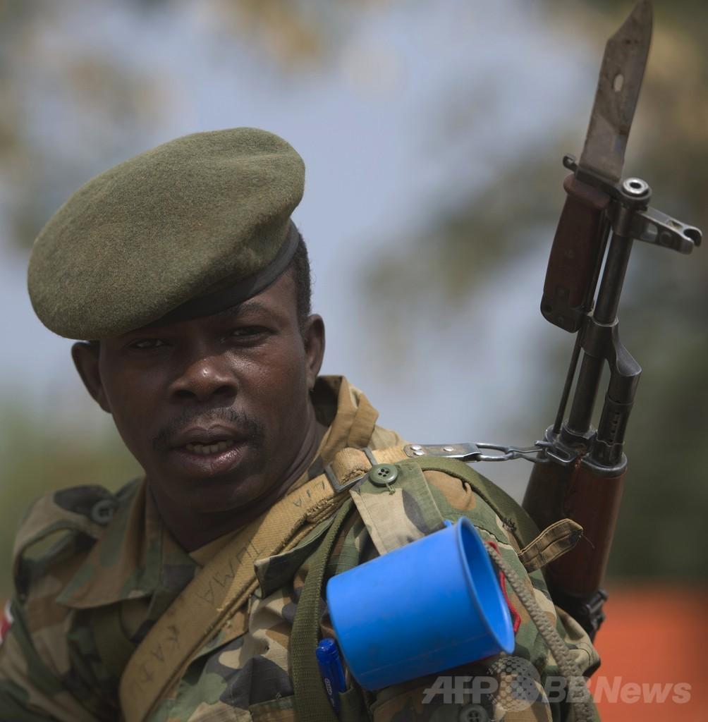南スーダンの政府と反乱軍側が停戦合意