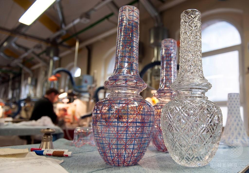 中国の投資会社、仏高級ガラスメーカー「バカラ」を買収