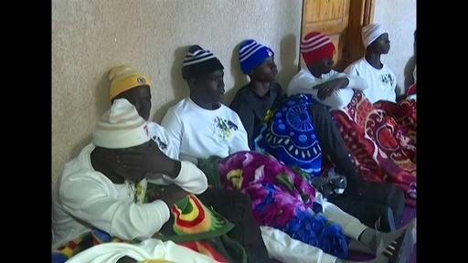 動画:移民船沈没で62人死亡 西アフリカ沖