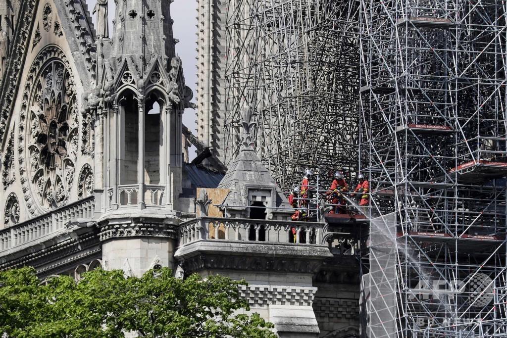 仏ノートルダムで改修作業員が喫煙認める、火災との関連性は否定