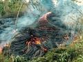 キラウエア火山の溶岩流が押し寄せるハワイ島・パホア