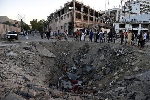 アフガン首都の大規模爆弾攻撃、死者数が150人超に大幅増