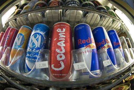 カフェイン過剰摂取で少女死亡、遺族が栄養飲料製造会社を提訴