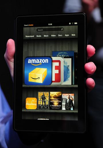 アマゾン、タブレット型端末「キンドル・ファイア」発表 iPadの半額以下