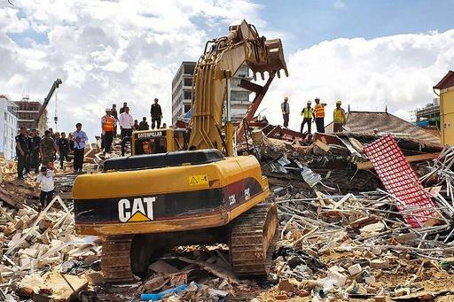 建設中のビル崩壊し7人死亡、中国企業が所有 カンボジア