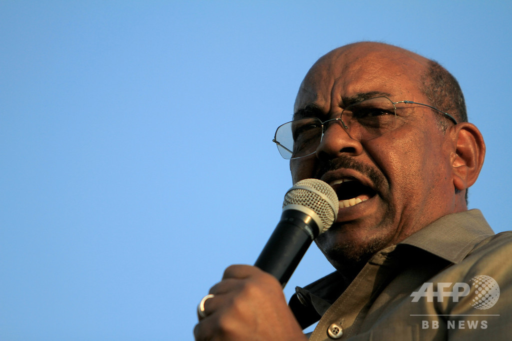 スーダン前大統領統治下でクーデター未遂、軍将校28人の遺体発見