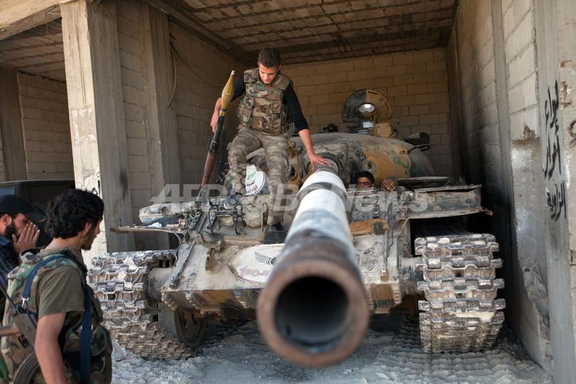 シリア反体制派への「緊急支援」採択、シリアの友人会合