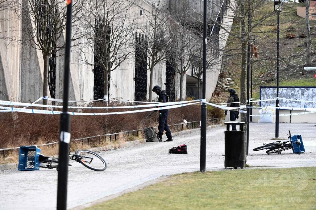 スウェーデン首都郊外の地下鉄駅前で爆発、2人死傷 手投げ弾か