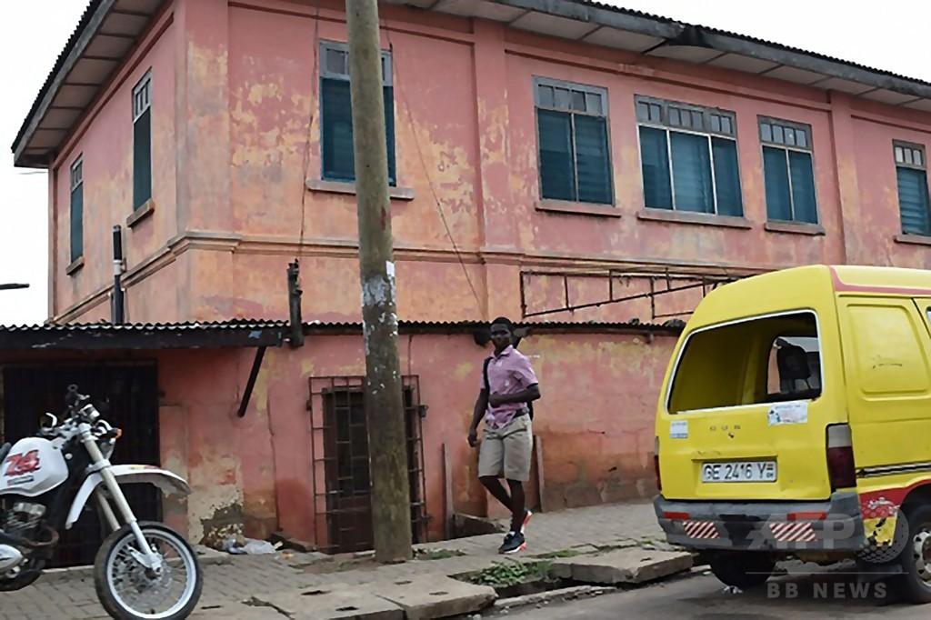 ガーナで偽の「米大使館」10年運営 ギャングがビザ偽造