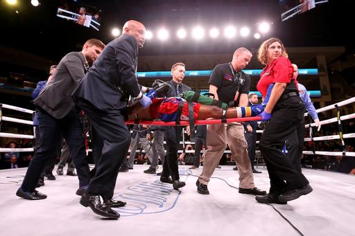 痛烈KO負けの米ボクサー、昏睡状態に 米報道