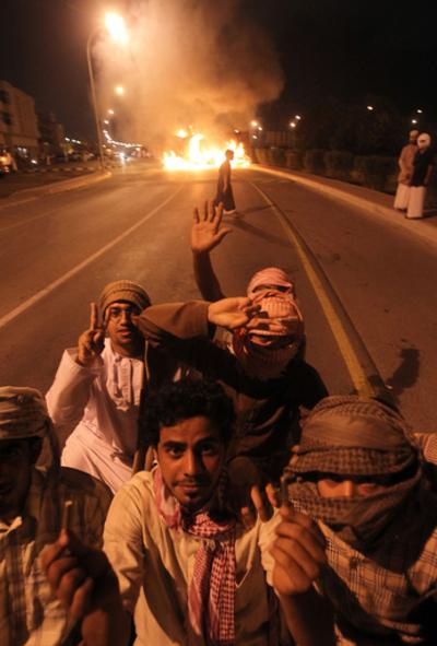 オマーンでも失業対策など求めるデモ、2人死亡
