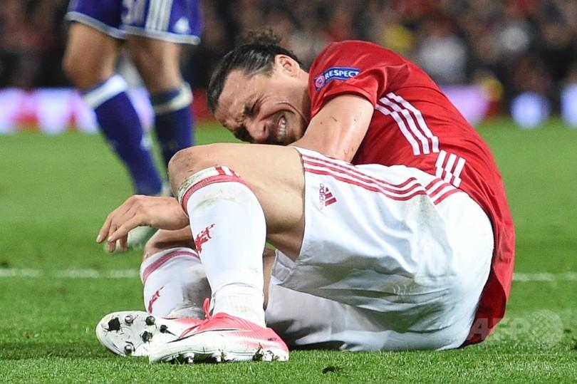 イブラが右ひざ負傷で今季終了か、マンUはELベスト4進出も大きな代償