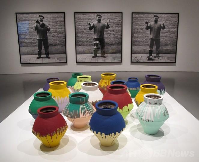 艾未未氏、1億円の壺破壊も「気にしない」 米美術館で展示中