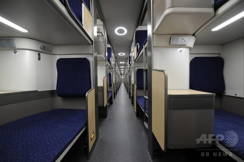 「移動ホテル」2階建て寝台列車、春節ラッシュに投入