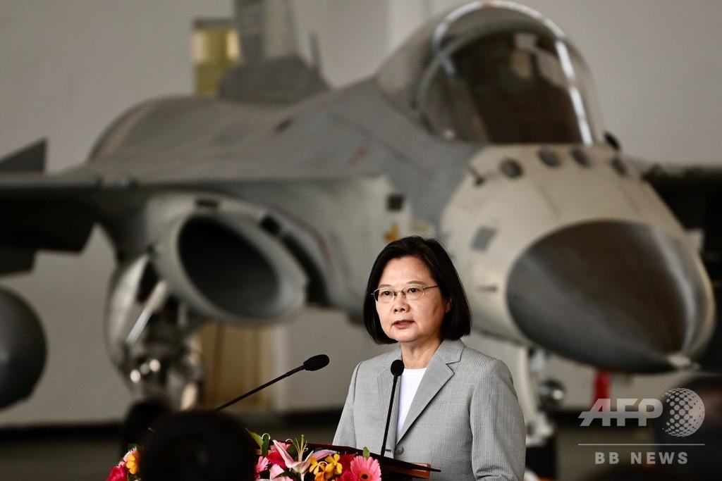 対中国機緊急発進、昨年の2倍超ペース 台湾総統「一歩も譲らぬ」 写真1 ...