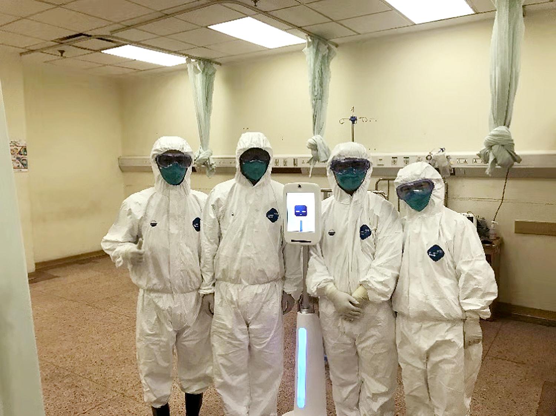 AIが参戦 医療ロボット「小白」が武漢の救援に