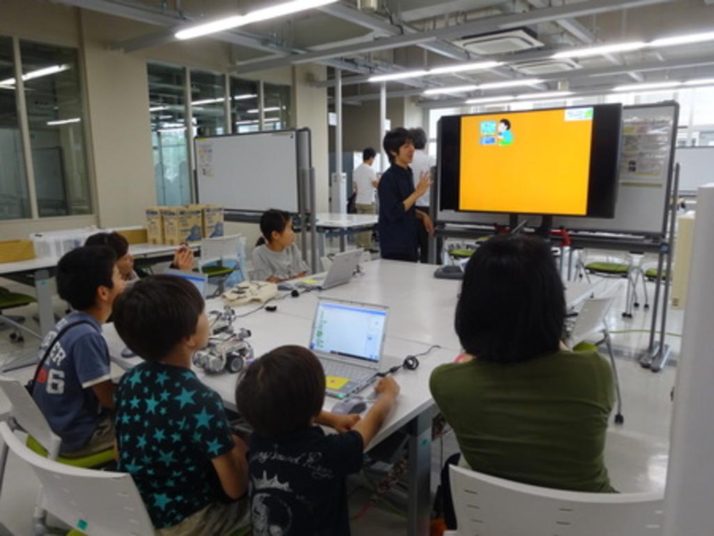 「小学生のためのプログラミング体験講座」開催