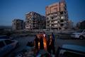 イラン・イラク国境で地震、死者328人に 負傷者は2530人