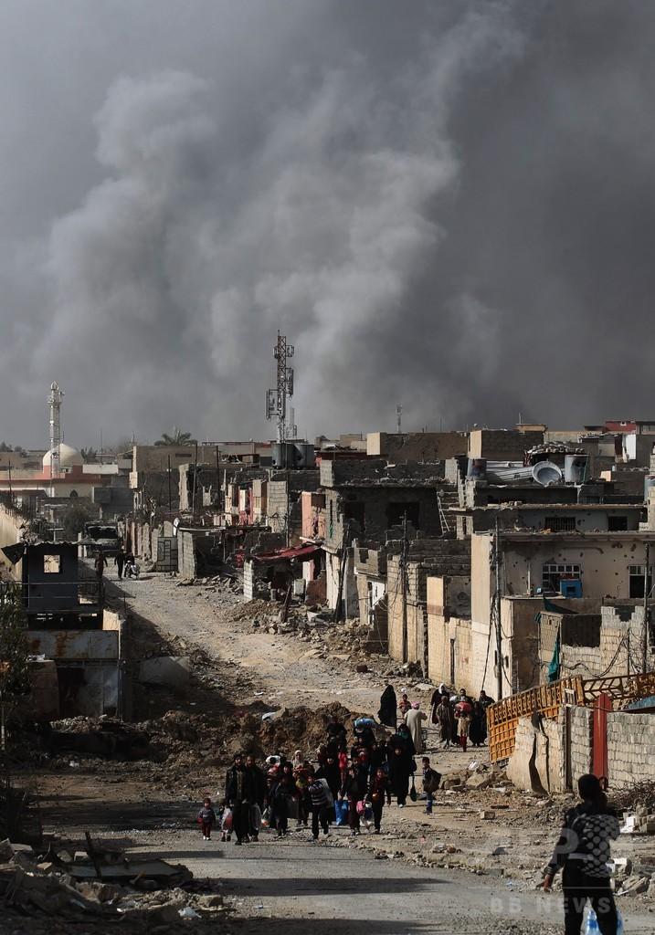 イラク軍、モスルと市外つなぐ最後の道路制圧 ISの退路断つ