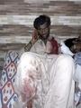 パキスタン聖廟で爆弾攻撃、70人死亡 ISが犯行声明