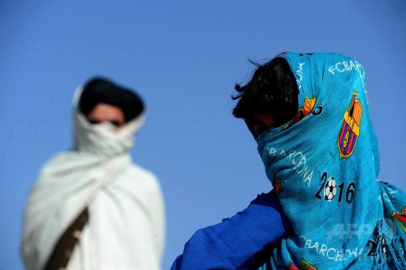 息子を性奴隷にされた親たちの苦悩、アフガンの「バチャ・バジ」