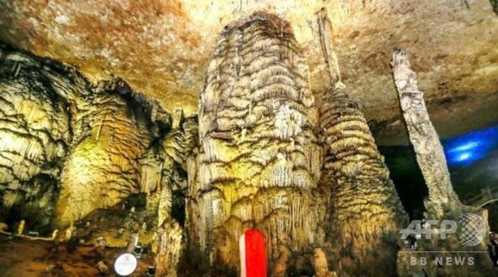 九天玄女洞の単体鍾乳石柱、世界最大と認証 湖南省張家界