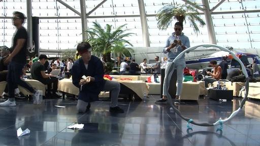 動画:紙飛行機の世界大会、日本人も出場 オーストリア