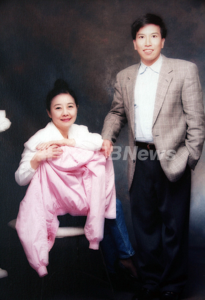 香港大富豪の遺産相続泥沼化、遺族が「愛人の遺言状は偽造」と訴え