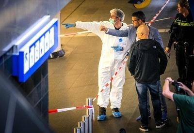 オランダの刃物襲撃事件、「テロ目的」の犯行 被害者2人は米国人