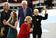 クリントン氏選挙戦、締めにレディー・ガガさん登場「トランプ氏支持者との和解を」