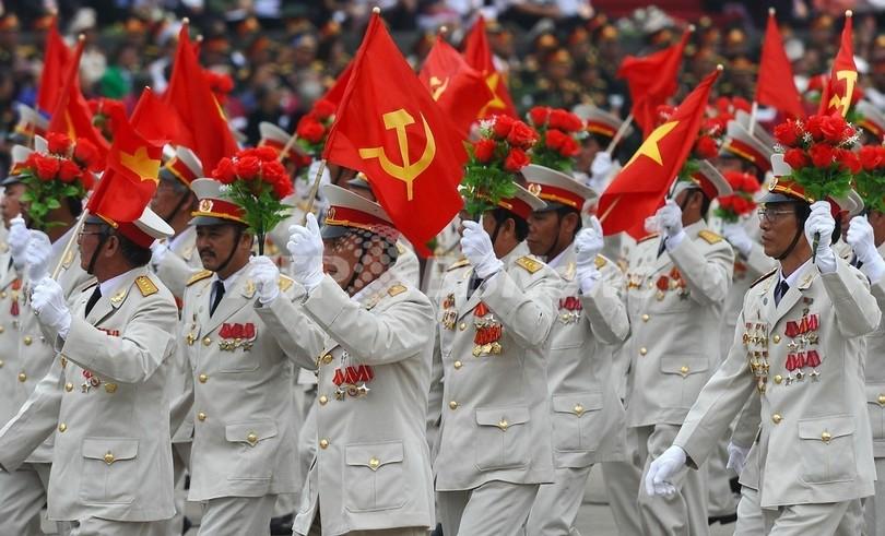 ベトナムで軍事パレード、ハノイ遷都1000年の記念行事