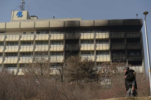 アフガン首都ホテル襲撃、銃撃犯ら「外国人を探していた」目撃者語る