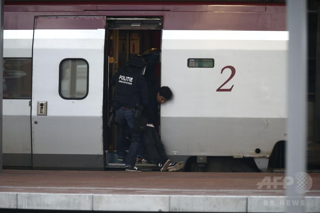 欧州国際列車のトイレ内に男が立てこもり、オランダ