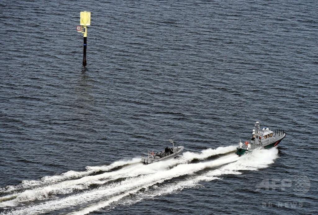 フィンランド首都沖に潜水艦か、爆雷で警告