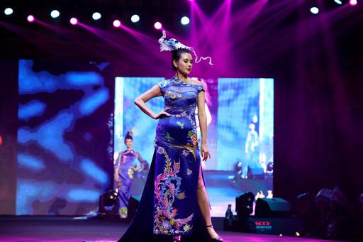 「海峡両岸チャイナドレス文化祭」、中国や台湾の愛好家500人が集合 福建・アモイ