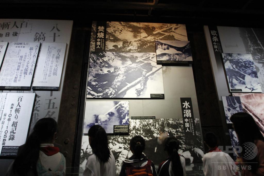 南京事件扱った映画シーンを服の柄に、販売した米百貨店「炎上」