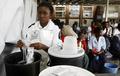 ジンバブエのコレラ流行、感染者6万人以上に WHO