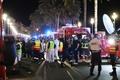 仏ニースで歩道にトラック突入、70人超死亡 テロ事案として捜査