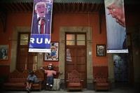 風刺画の「壁」でトランプ氏に対抗、メキシコ市で企画展