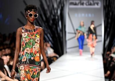 ブダペスト市内でファッションショー、地元デザイナーら新作披露